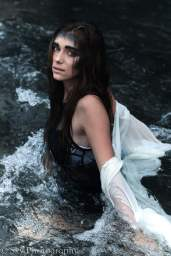 Model: @hanakele Photography: @skyler.samson